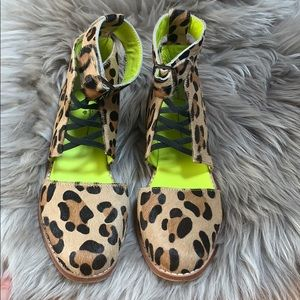Love + made cheetah shoes size 5